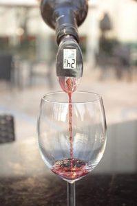 WinePerfect schenken 199x300 - Perfect glas wijn