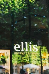 exteroeur kleinmg 199x300 - Lekker Belgisch: Ellis Gourmet Burger