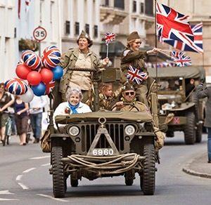 55726cbe b833 48a9 a189 e3f9aaf41cc6 300x292 - Bevrijdingsdag op Guernsey