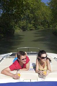 4 739b2921bac7c9b3aeae0584054d9a20mg 200x300 - De boot in met Le Boat