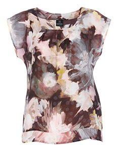 Madeleine Fashion Blouse met bloemenprint 12990mg 233x300 - Pretty Pastel