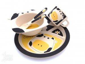 bamboe kinderservies en bestek met print van een koe 300x225 - Twee ons Geluk
