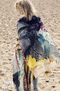 sjaal becksondergaard native feathers 1.png 199x300 - Bijzondere sjaals