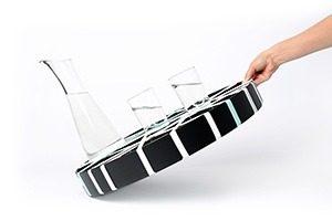 Grip Round Black 1733 glasstilt Flattenedmg 300x200 - Geen gemors met GRIP dienbladen