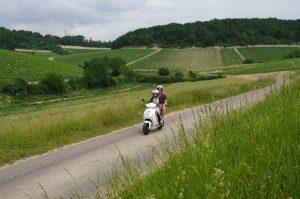 foto govecs ca102 300x199 - Winetours op een elektrische scooter