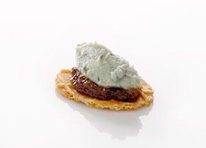 NatuurBoterwafel met vijgen en blauwaderkaas marcelineke 300x215 - Streetfood uit de Middeleeuwen
