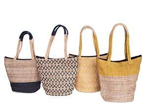 handgeweven jute tassen marcelineke 300x225 - Handgeweven, stijlvol en fairtrade: Tulsi Crafts