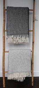 pastelkleurige plaids met visgraat motief van cashmere met merino wol marcelineke 135x300 - pastelkleurige-plaids-met-visgraat-motief-van-cashmere-met-merino-wol-marcelineke