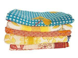 sari dekens plaids marcelineke 300x225 - Handgeweven, stijlvol en fairtrade: Tulsi Crafts
