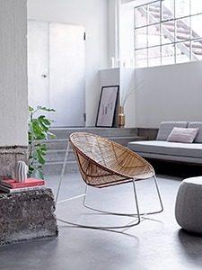 Bloomingville schommelstoel sfeerbeeld marcelineke 225x300 - Rotan schommelstoel
