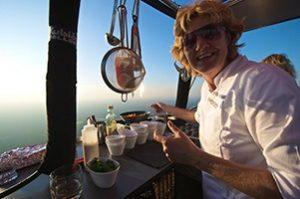 CuliAir Angelique 1 marcelineke 300x199 - Het enige luchtballonrestaurant ter wereld is weer open!